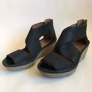 Clarks Artisan Wedge Sandals Zip Back 7.5